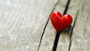 Februar Ist Valentinstag. Jedes Jahr Um Diese Zeit Liegt Romantik In Der  Luft. Paare Und Solche, Die Es Gerne Wären, Beschenken Sich Und Beweisen  Sich Ihre ...